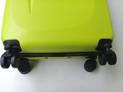 chemodan-gabol-lime-s-foto-koles